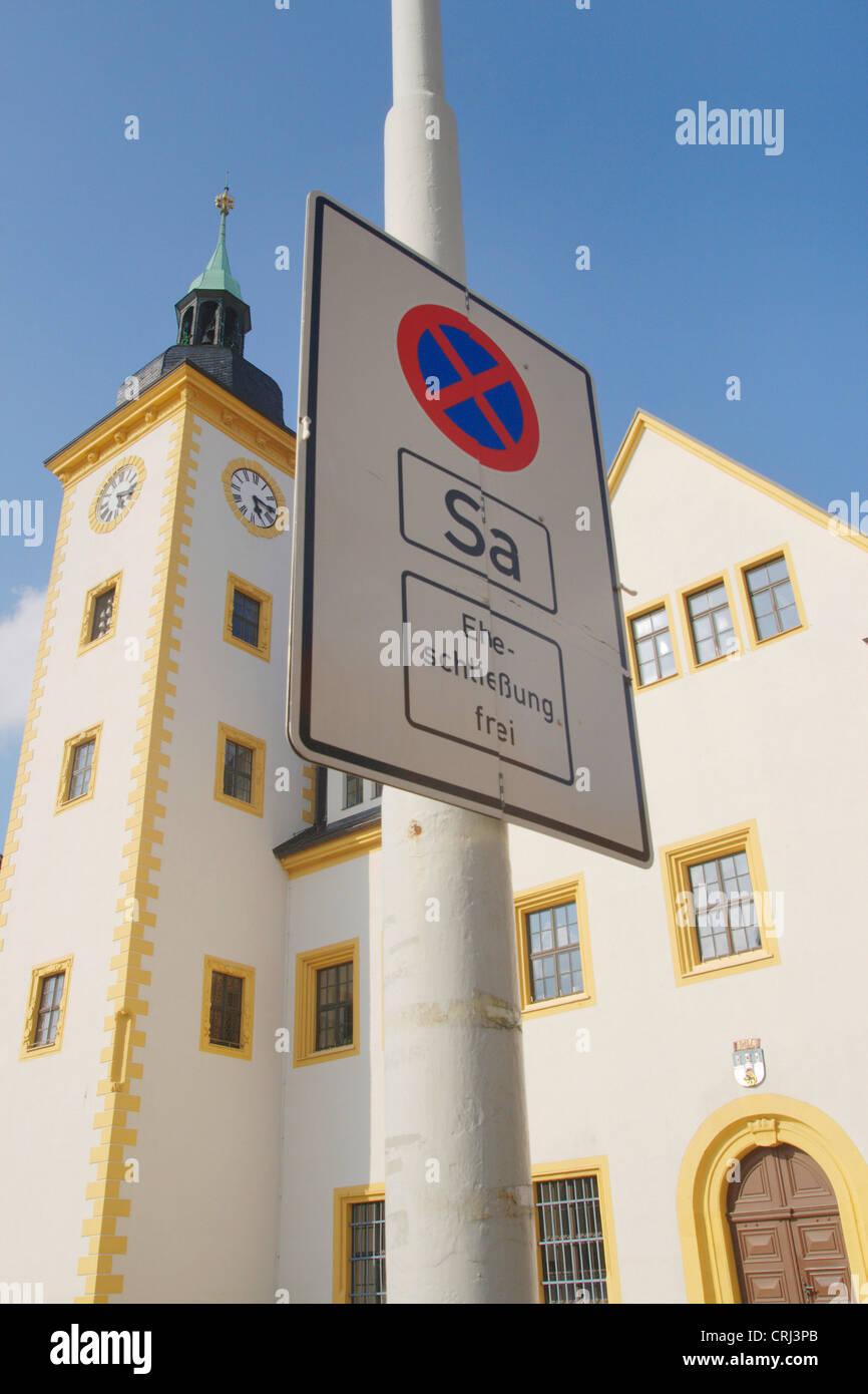 L'arrêt minimal en face de l'hôtel de ville, avec plus de mariage, l'Allemagne, la Saxe, Freiberg Photo Stock