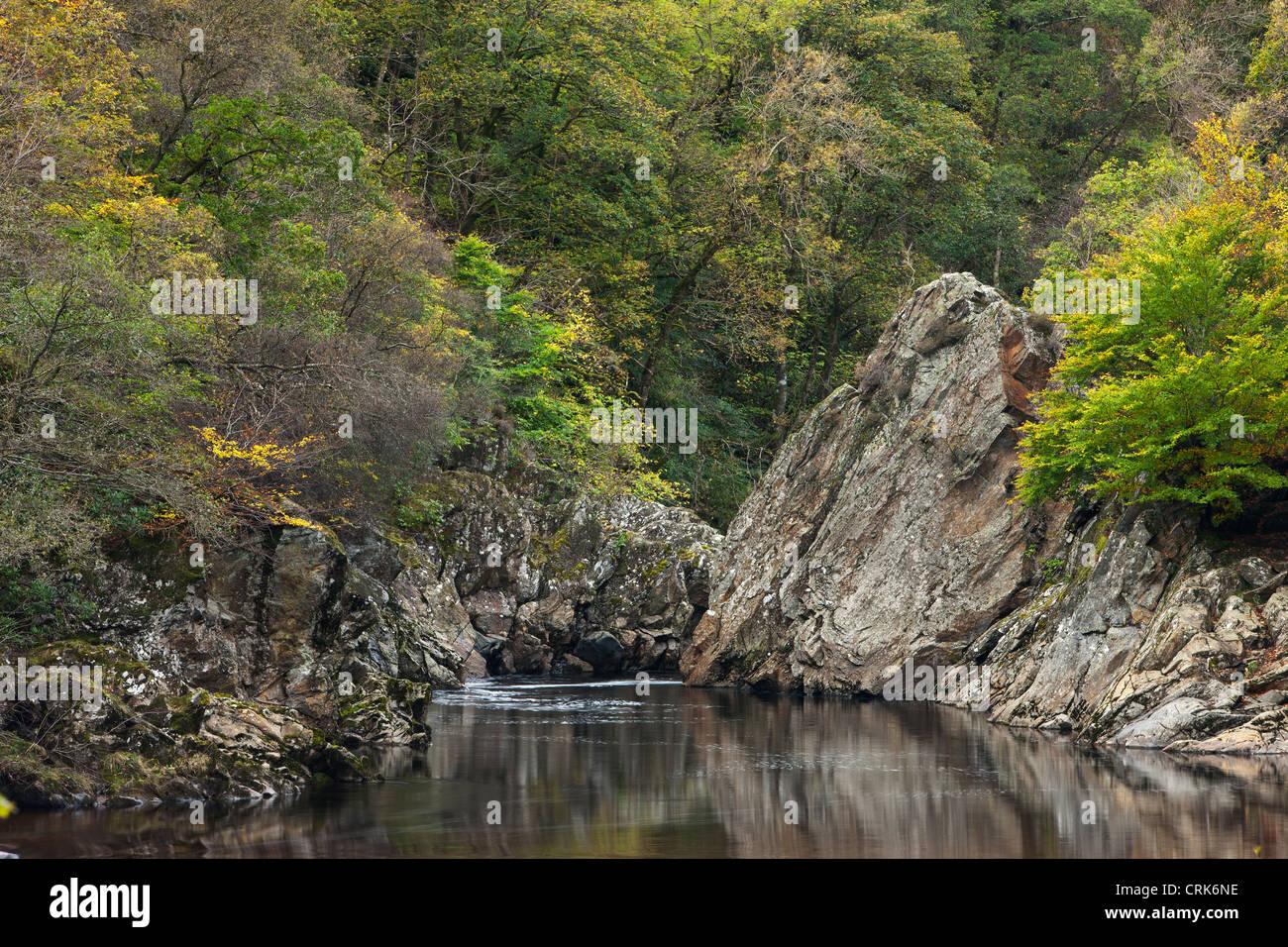Soldier's Leap dans le col de Killiecrankie sur la rivière Garry, Perthshire, Écosse Banque D'Images