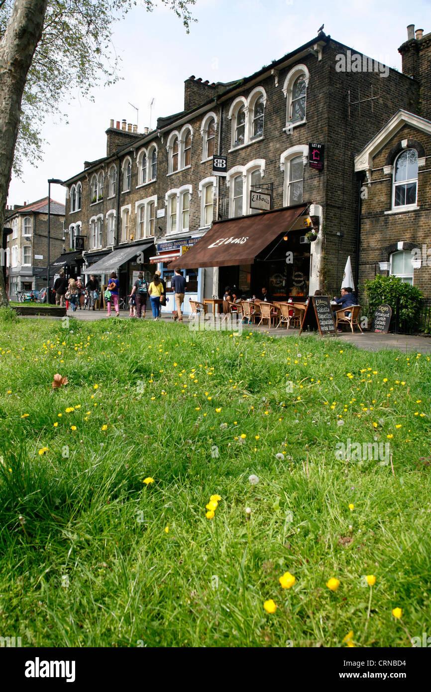 Coudes cafe sur Lauriston Road, South London, Londres, Royaume-Uni Photo Stock