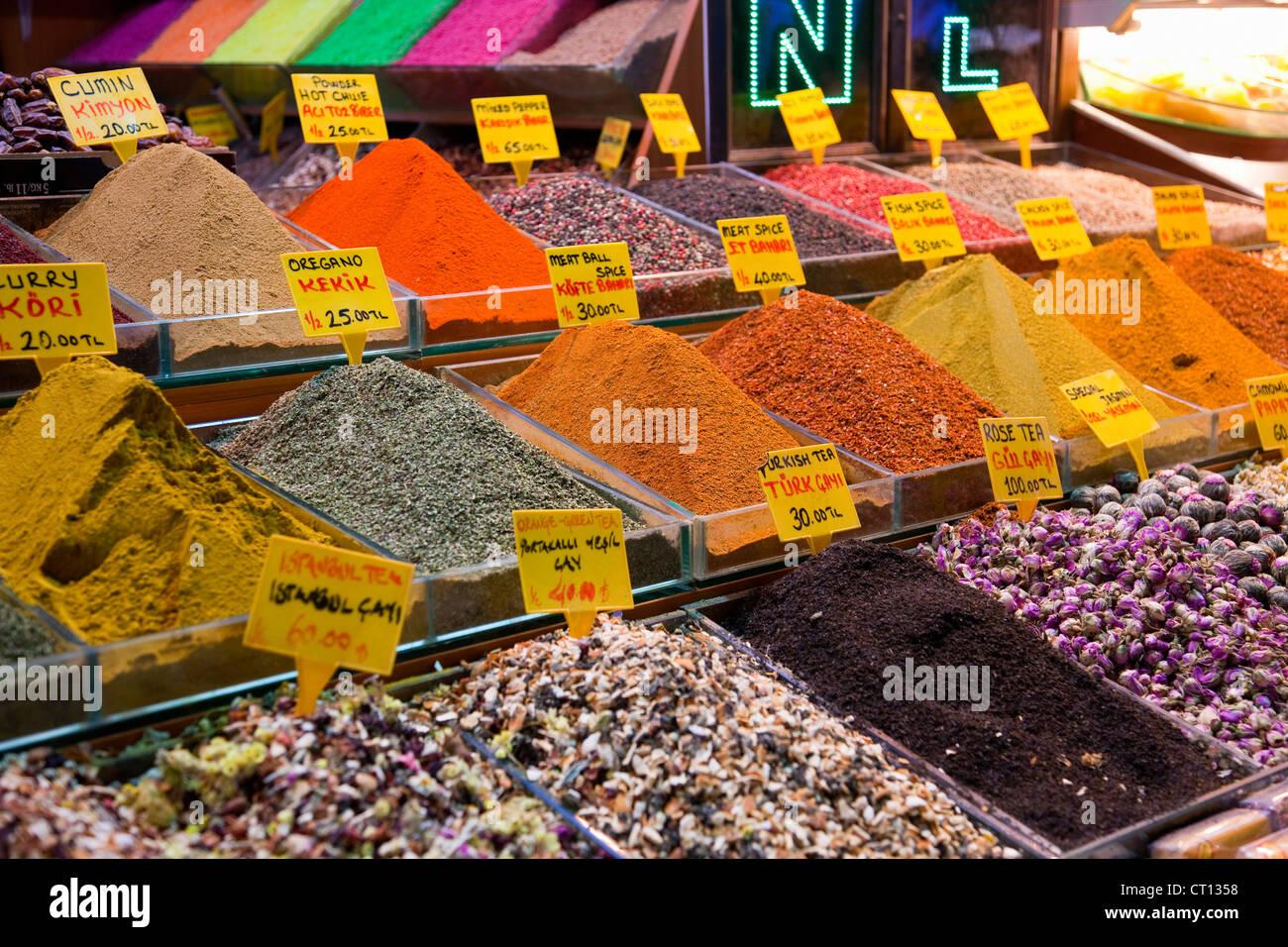Épices moulues à vendre Photo Stock