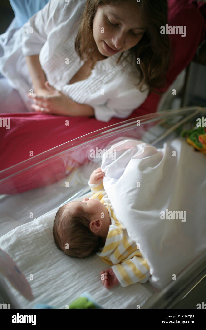 Mère et bébé nouveau-né Photo Stock