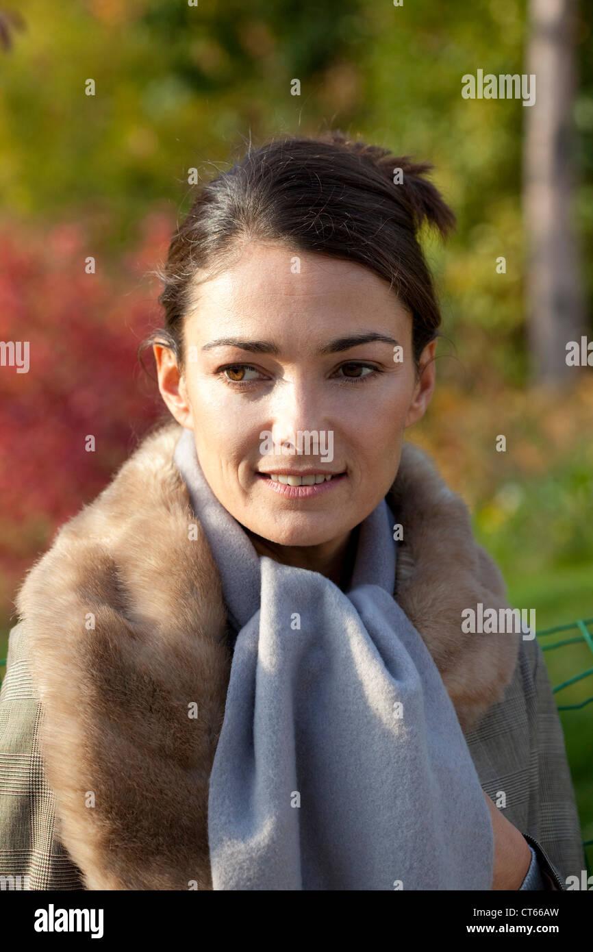 PORTRAIT D'UNE FEMME, 30/40 Photo Stock
