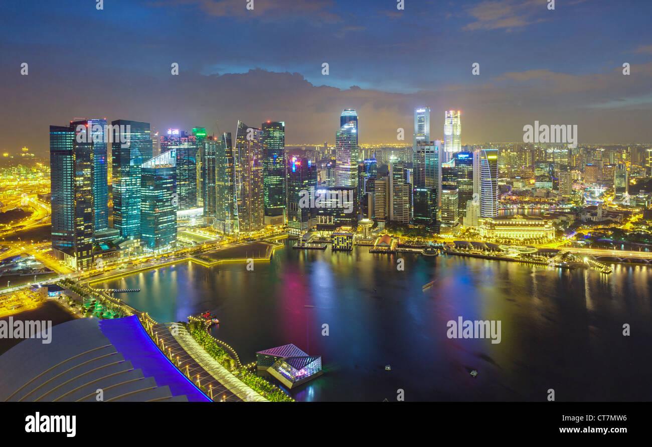 L'Asie du Sud Est, Singapour, vue aérienne sur le centre de Singapour et Marina Bay Photo Stock