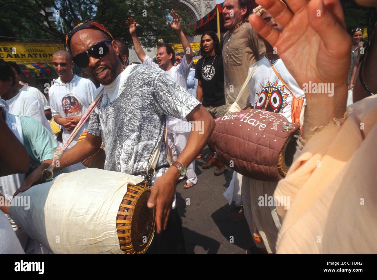 New York, NY - Hare Krishna Fête de la charriots à Washington Square Park Banque D'Images