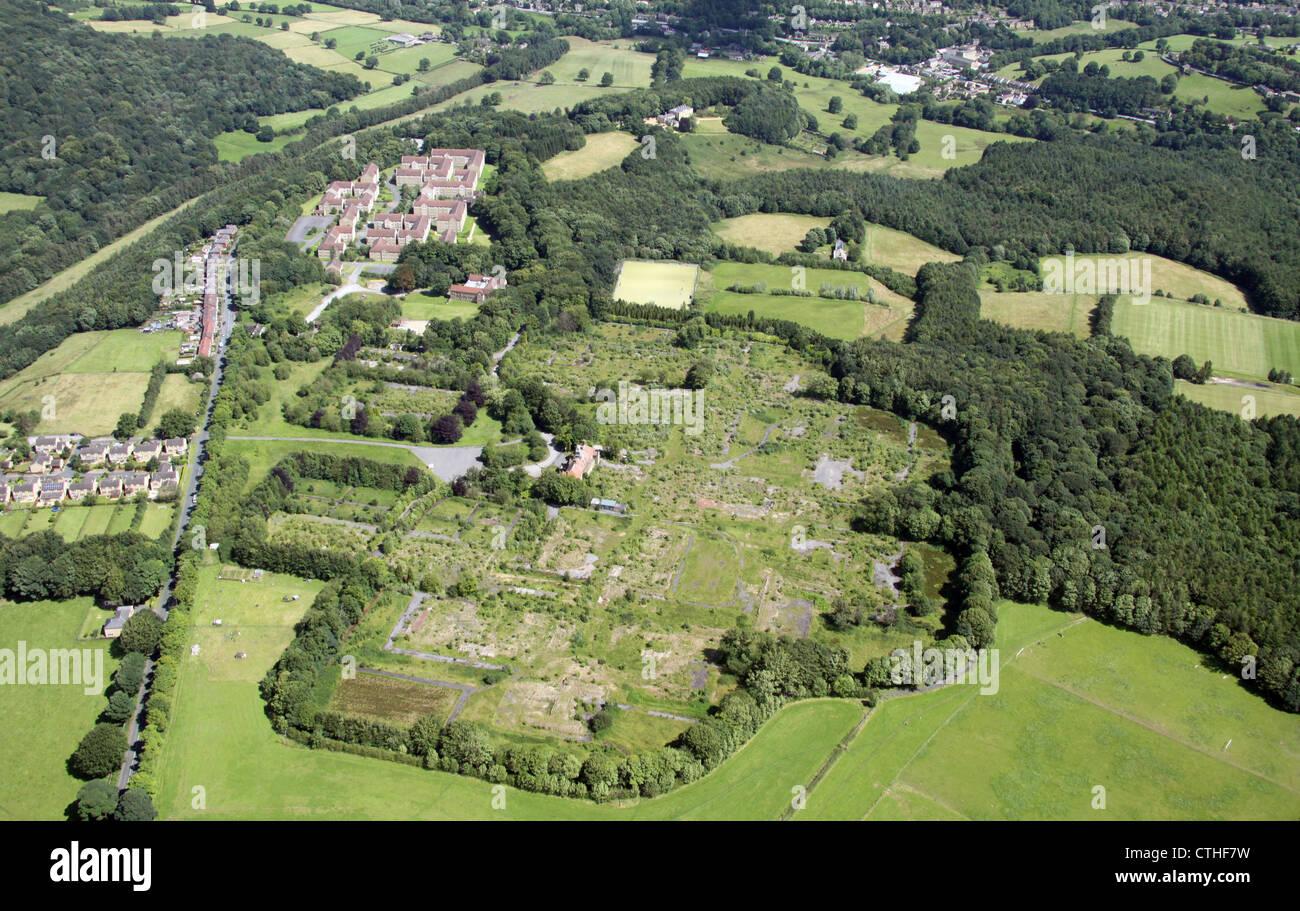 Vue aérienne de l'ancien hôpital Storthes Hall site près de Huddersfield Banque D'Images