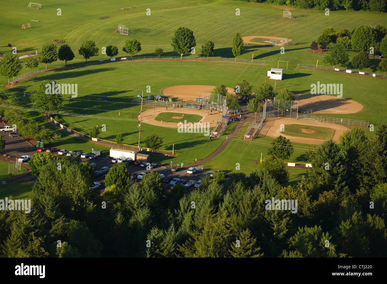Vue aérienne du parc avec terrains de baseball Photo Stock