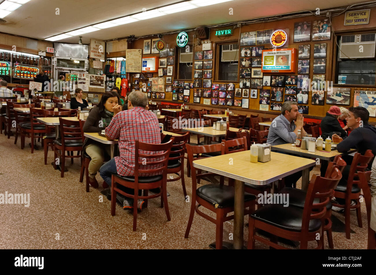 Katz's Delicatessen, film lieu de ' Quand Harry rencontre Sally ', New York, USA, Photo Stock
