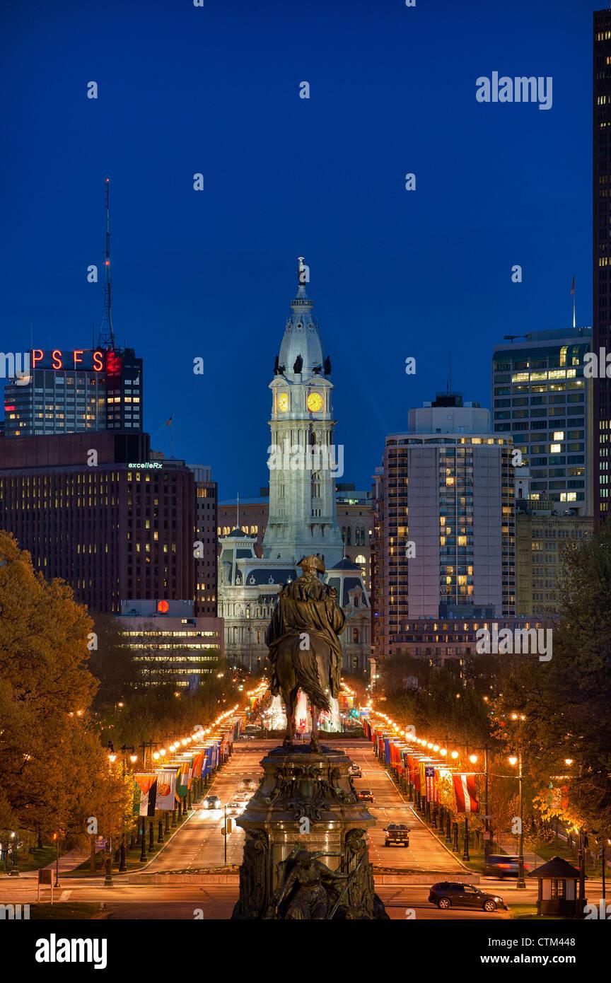 Le Washington Monument à Eakins ressemble ovale de l'Hôtel de Ville, Philadelphie, Pennsylvanie, USA Photo Stock