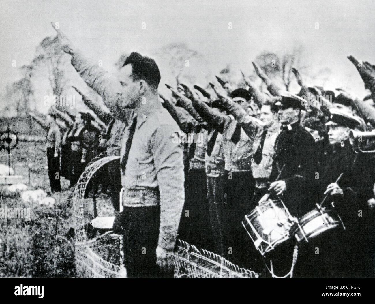Camarades de l'armée irlandaise les Blueshirts aka Association, organisation de droite en rallye au cimetière Photo Stock