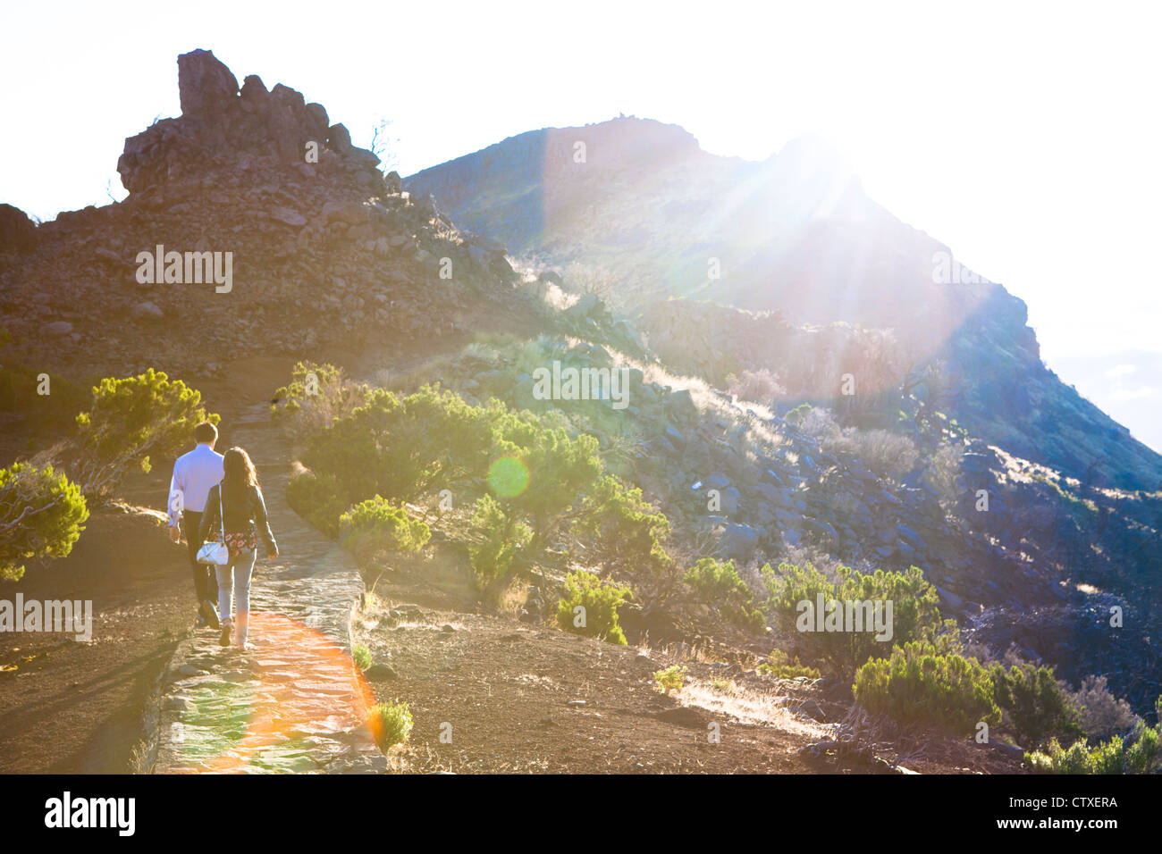 Sentier à partir de Achada do Teixeira au point le plus élevé sur l'île de Madère, Photo Stock
