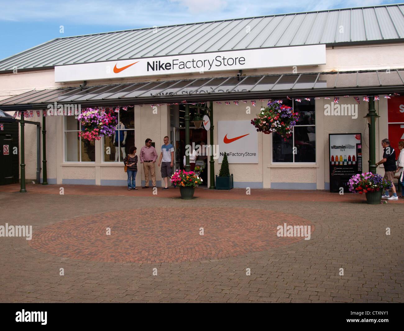 nouveau concept 93be7 4ed12 Magasin d'usine Nike, Clarks Village, Rue, Somerset, UK ...