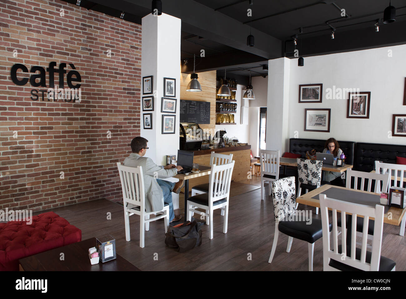Cafe via la rue Arc-en-ciel Amman Jordanie Photo Stock