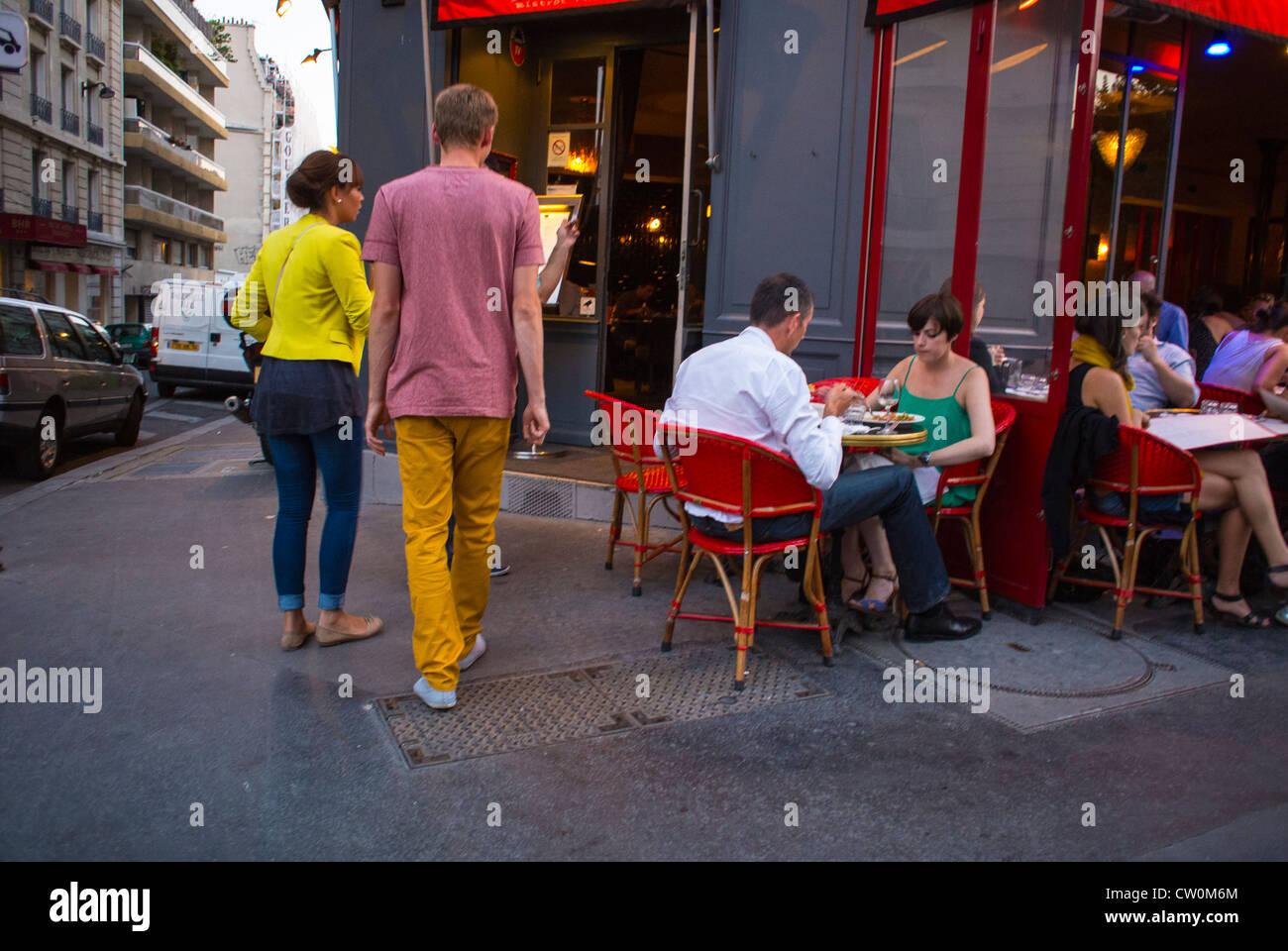 Terrasse Canal Saint Martin paris, café, la france, les français le partage des repas en