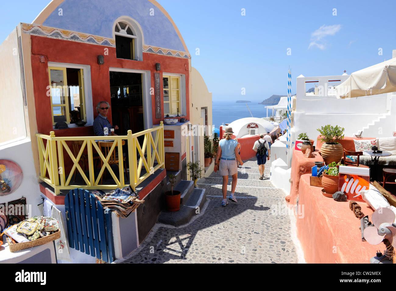 Le bureau commercial de l île santorini grèce mer egée croisière