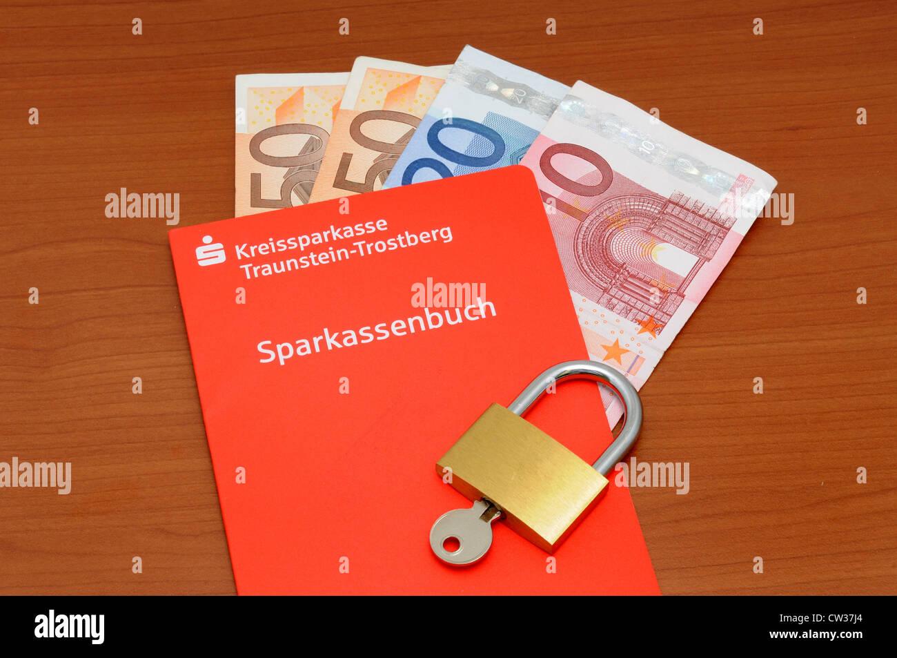 Livret bancaire allemand et de l'euro en tant que symbole d'économies Banque D'Images