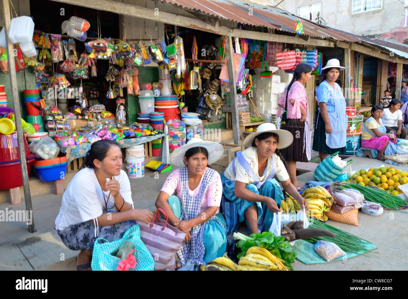 Rurrenabaque, rivière Beni, en Bolivie. Dimanche matin, de la rue du marché Photo Stock