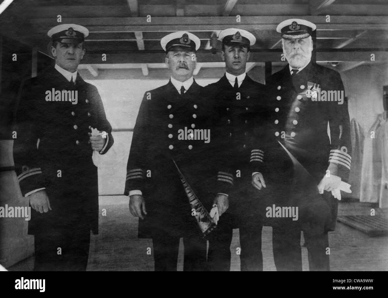 Le capitaine Edward Smith (à droite), du RMS Titanic, qui a coulé après avoir heurté un iceberg, Photo Stock
