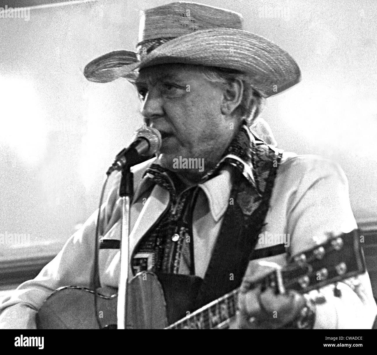 La chanteuse country western DAVE DUDLEY live, c. fin des années 1970. Avec la permission de la CSU: Photo Stock