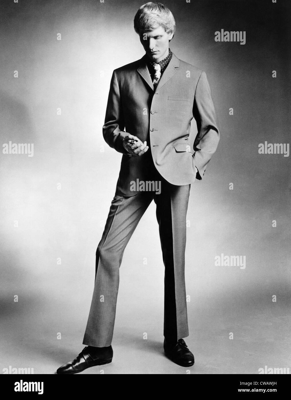 Un homme portant le 'look' de vitesse, vers 1966. Photo: Courtoisie: Archives CSU/Everett Collection Photo Stock