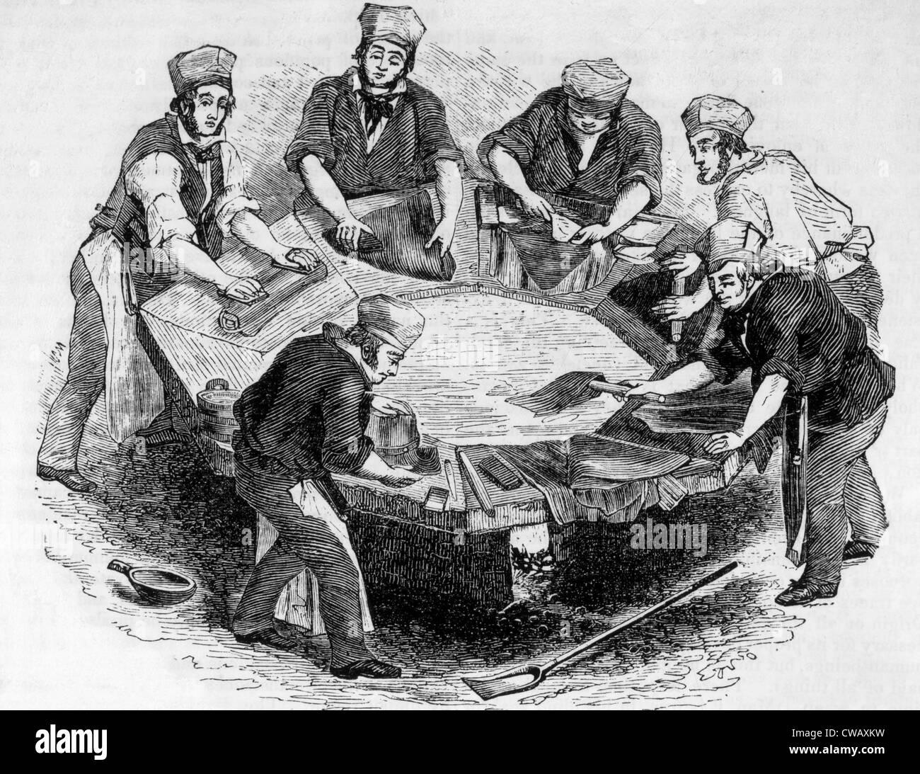 Les travailleuses et travailleurs d'usine chapeau chapeaux de castor au 16ème siècle lorsqu'ils Photo Stock