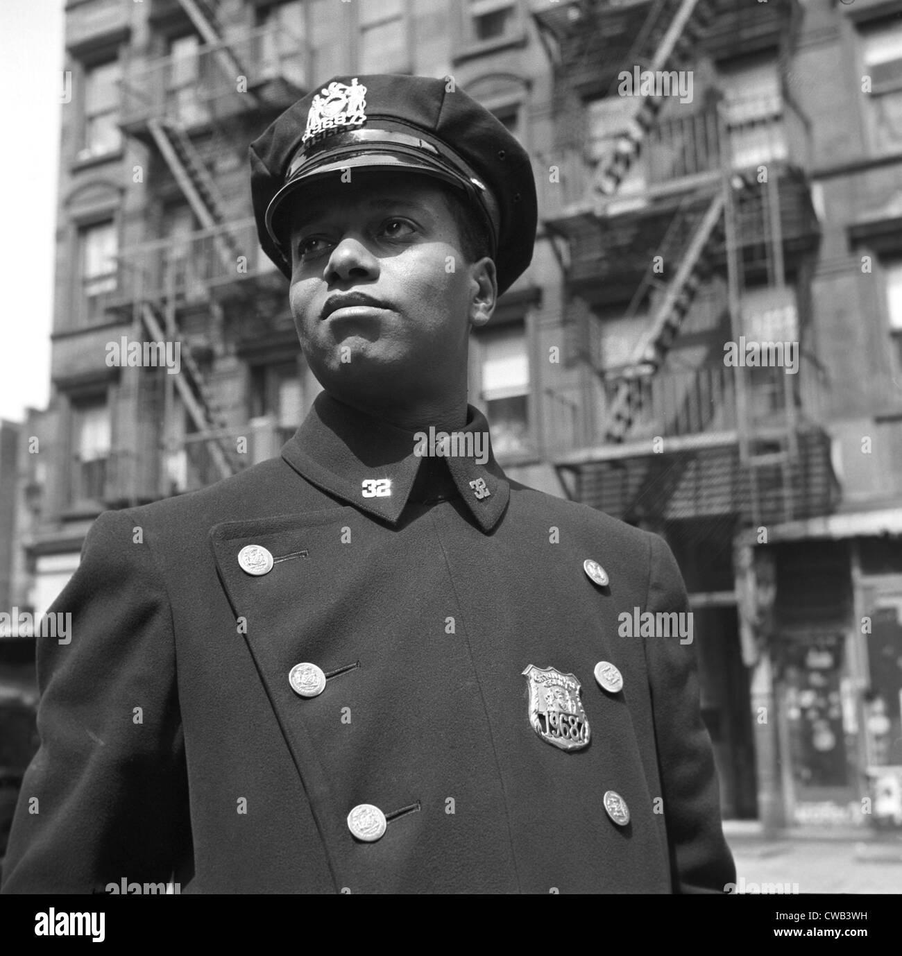 """Portrait d'un policier afro-américain, titre original: """"New York, New York. Policier no 19687', Photo Stock"""