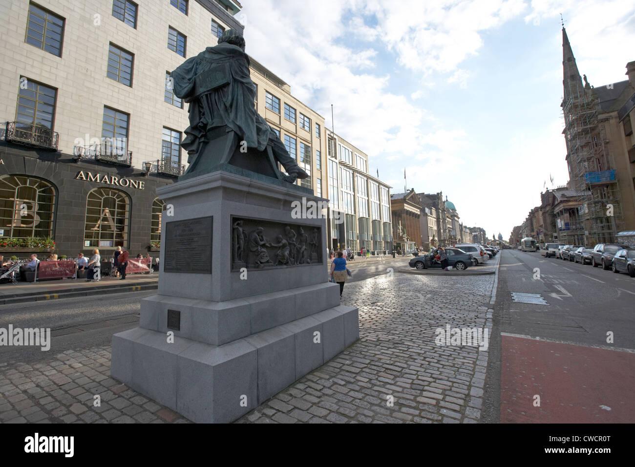 James Clerk Maxwell sculpture au côté est de la rue George dans la nouvelle ville géorgienne edinburgh Photo Stock