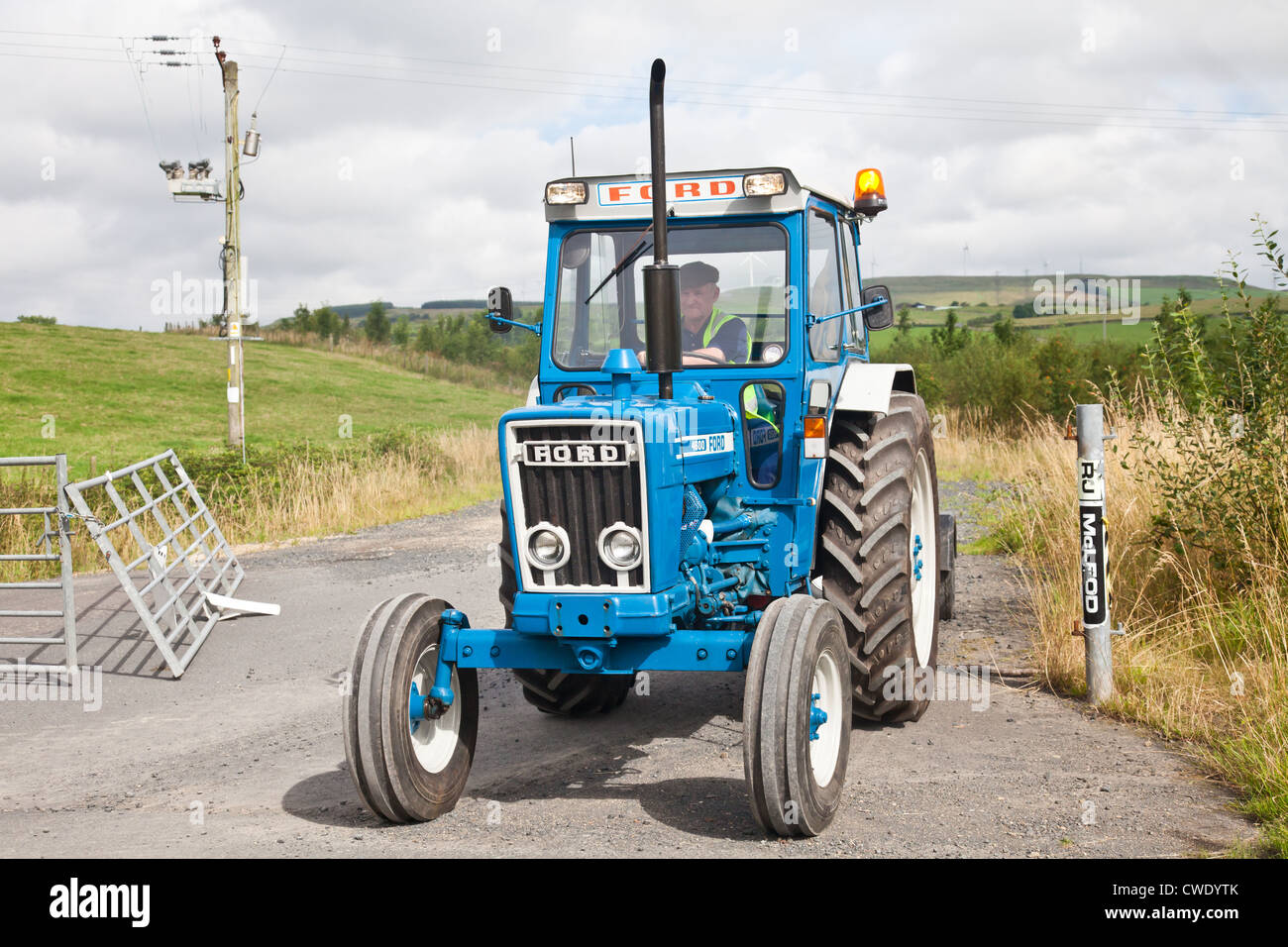 blue ford tractor photos blue ford tractor images alamy. Black Bedroom Furniture Sets. Home Design Ideas