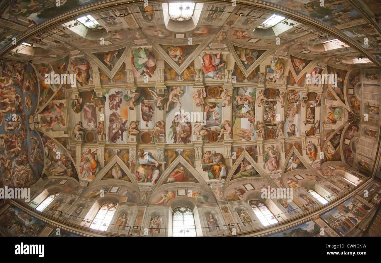 Le jugement dernier de michel ange sur le plafond de la chapelle sixtine les mus es du vatican - Michel ange chapelle sixtine plafond ...