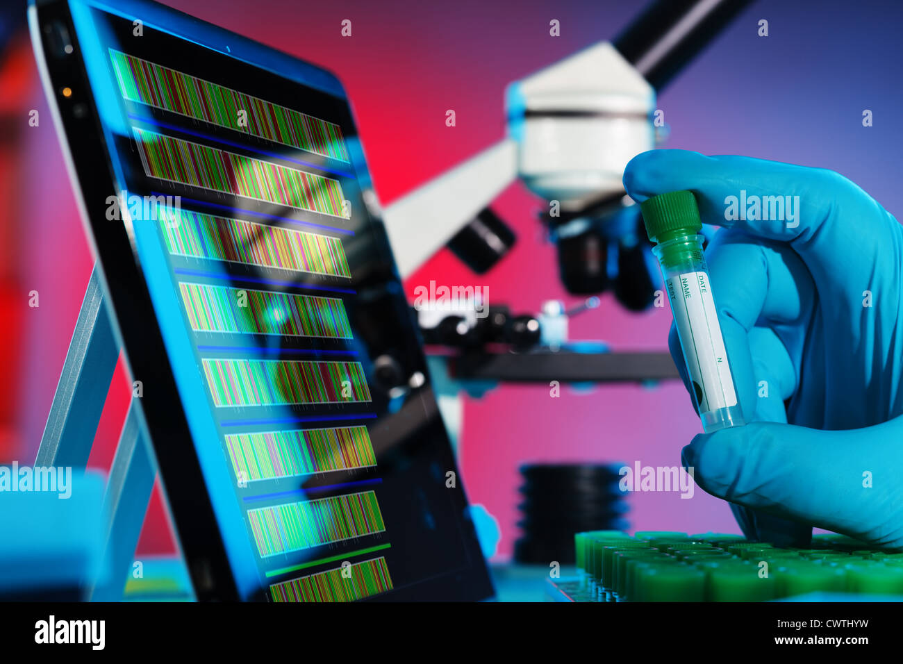 L'analyse des séquences d'ADN en laboratoire de génétique Photo Stock
