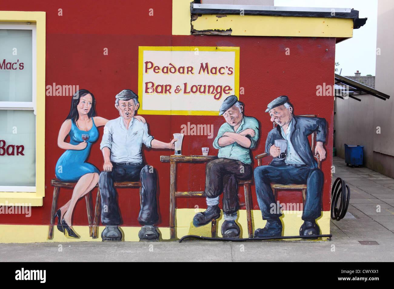 Peinture Sur Mur Pub Drole Rathmullan Comte De Donegal Irlande Photo Stock Alamy