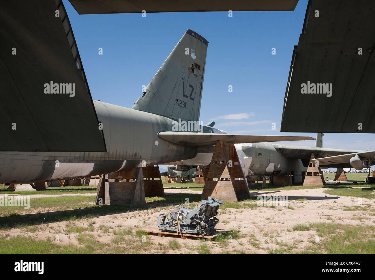 B-52 Stratofortress aéronefs dans l'entreposage à l'entretien et la régénération de l'aéronautique 309e groupe à la base aérienne Davis-Monthan AFB. Banque D'Images