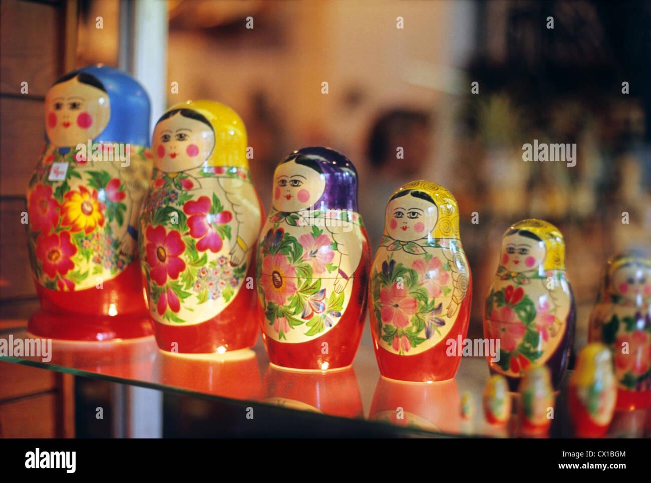 Londres. La Grande-Bretagne. Des poupées russes dans un magasin de souvenirs (Holborn Street). TASS Photo / Viktor Banque D'Images