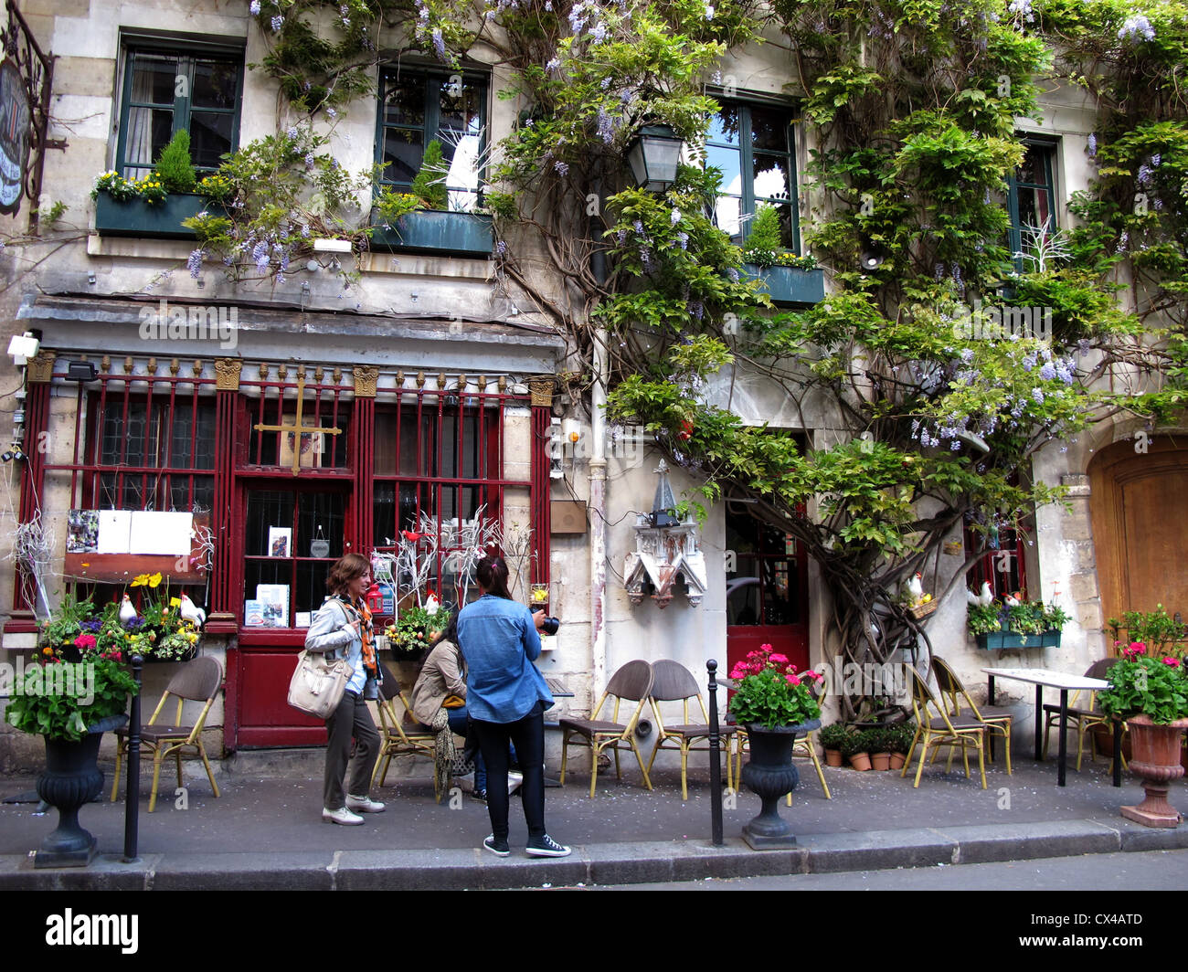 Restaurant Rue De La Chanoinesse Ancien De Paris