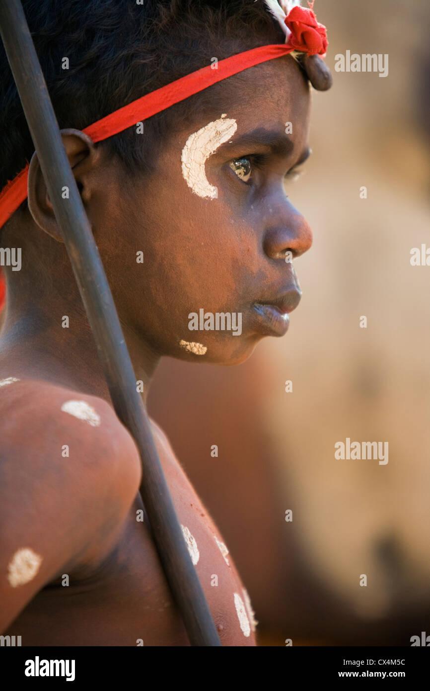 Danseur de la communauté à l'Aurukun Laura Aboriginal Dance Festival. Laura, Queensland, Australie Photo Stock