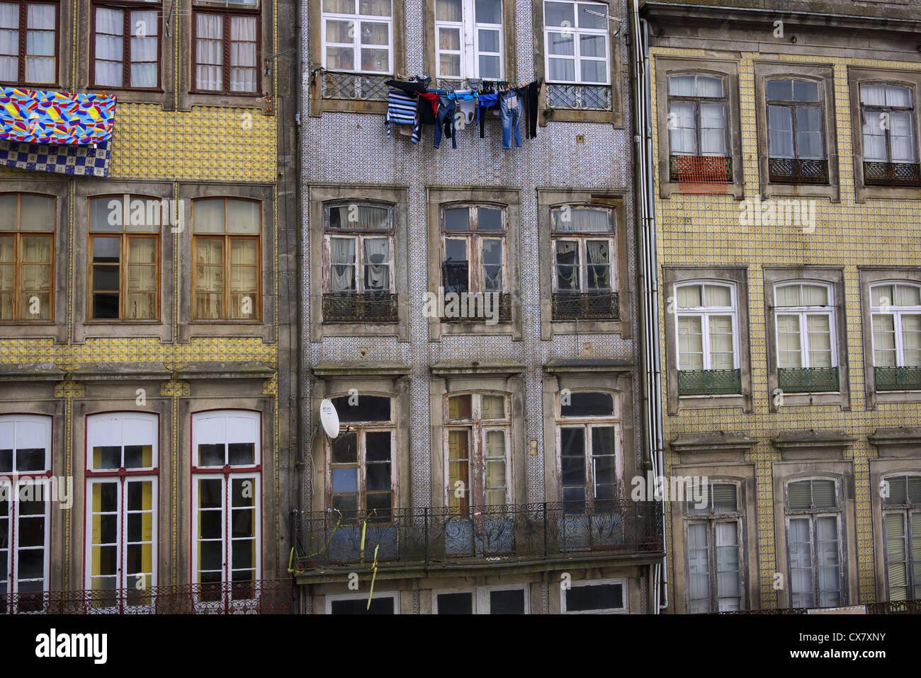 Bloc d'appartement à Porto, Portugal. Banque D'Images
