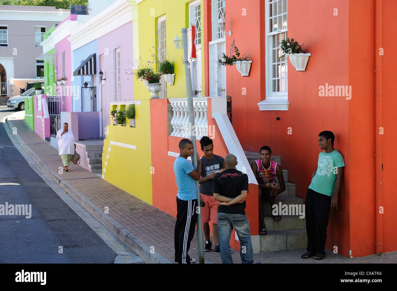 Maisons colorées, Bo-Cape malais, habitants, Cape Town, Afrique du Sud, l'Afrique Photo Stock