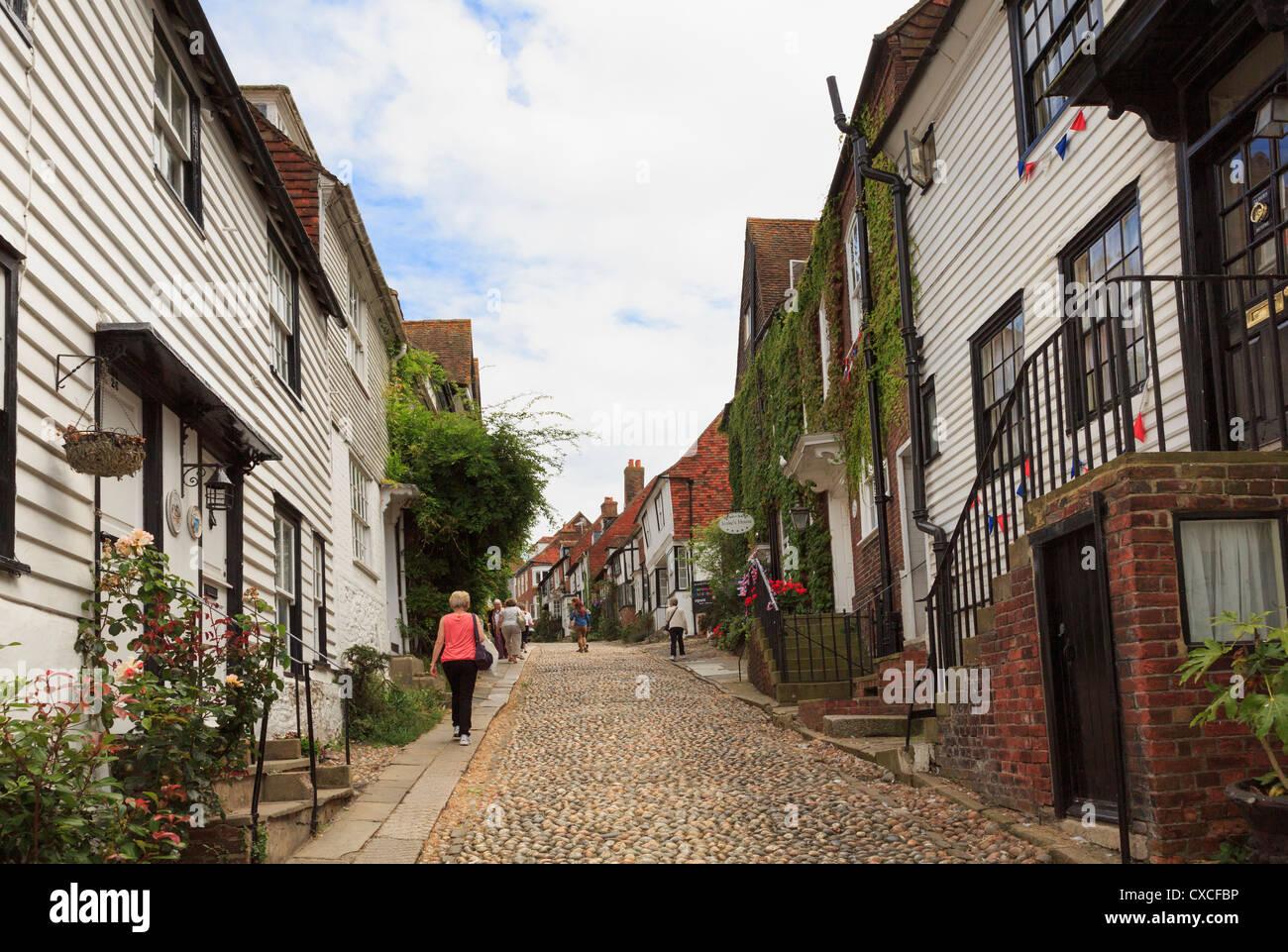 Voir la célèbre rue pavées bordées de vieilles maisons pittoresques à Mermaid Street, Rye, Photo Stock