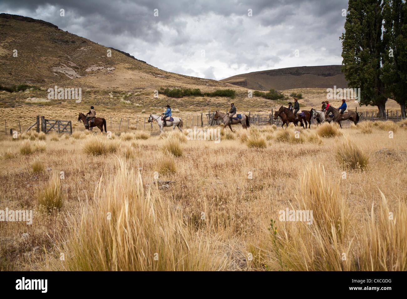 L'équitation, Patagonie, Argentine. Photo Stock
