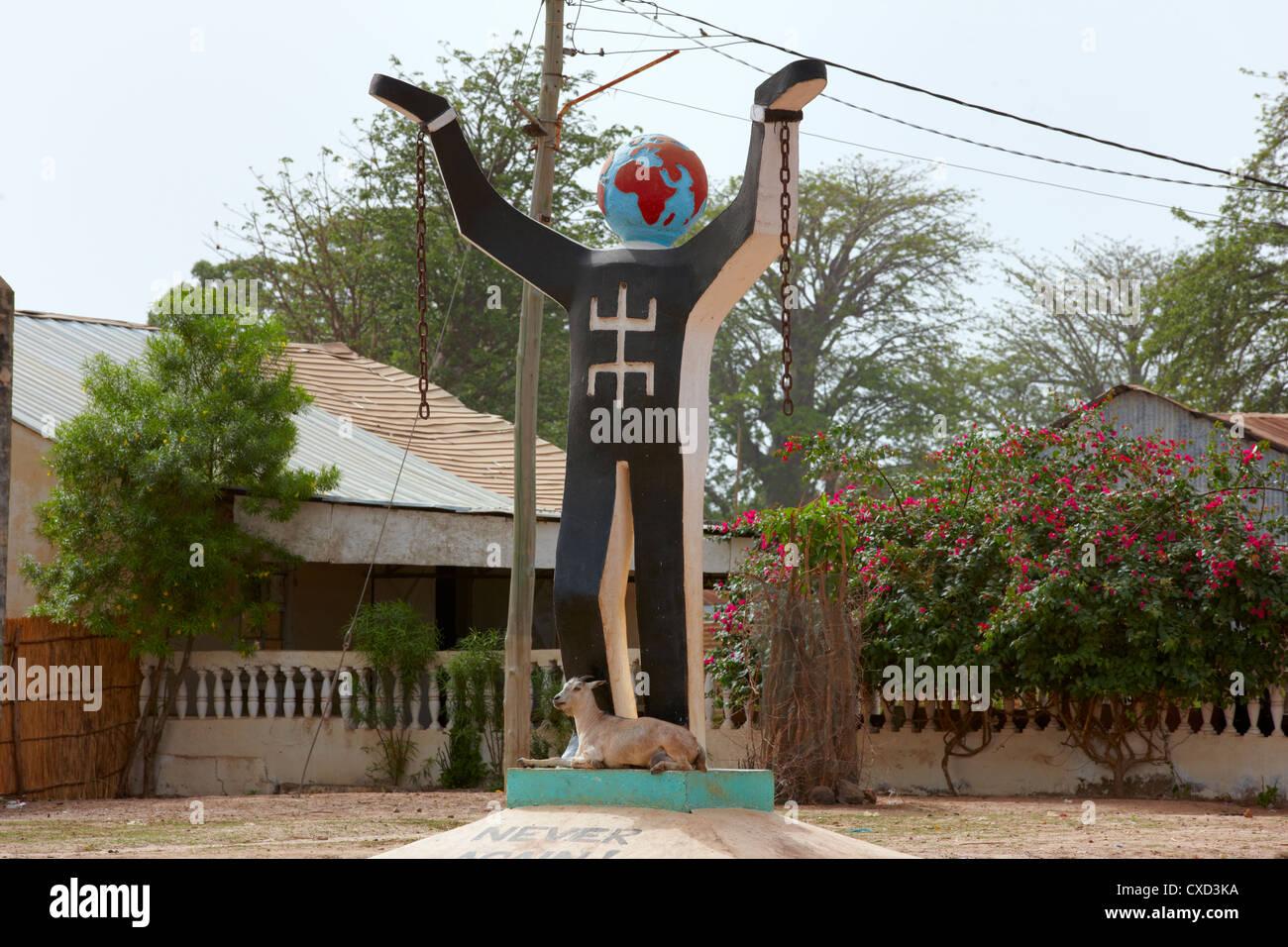Jamais encore l'esclavage Statue, Juffureh Village, la Gambie, Afrique de l'Ouest Photo Stock