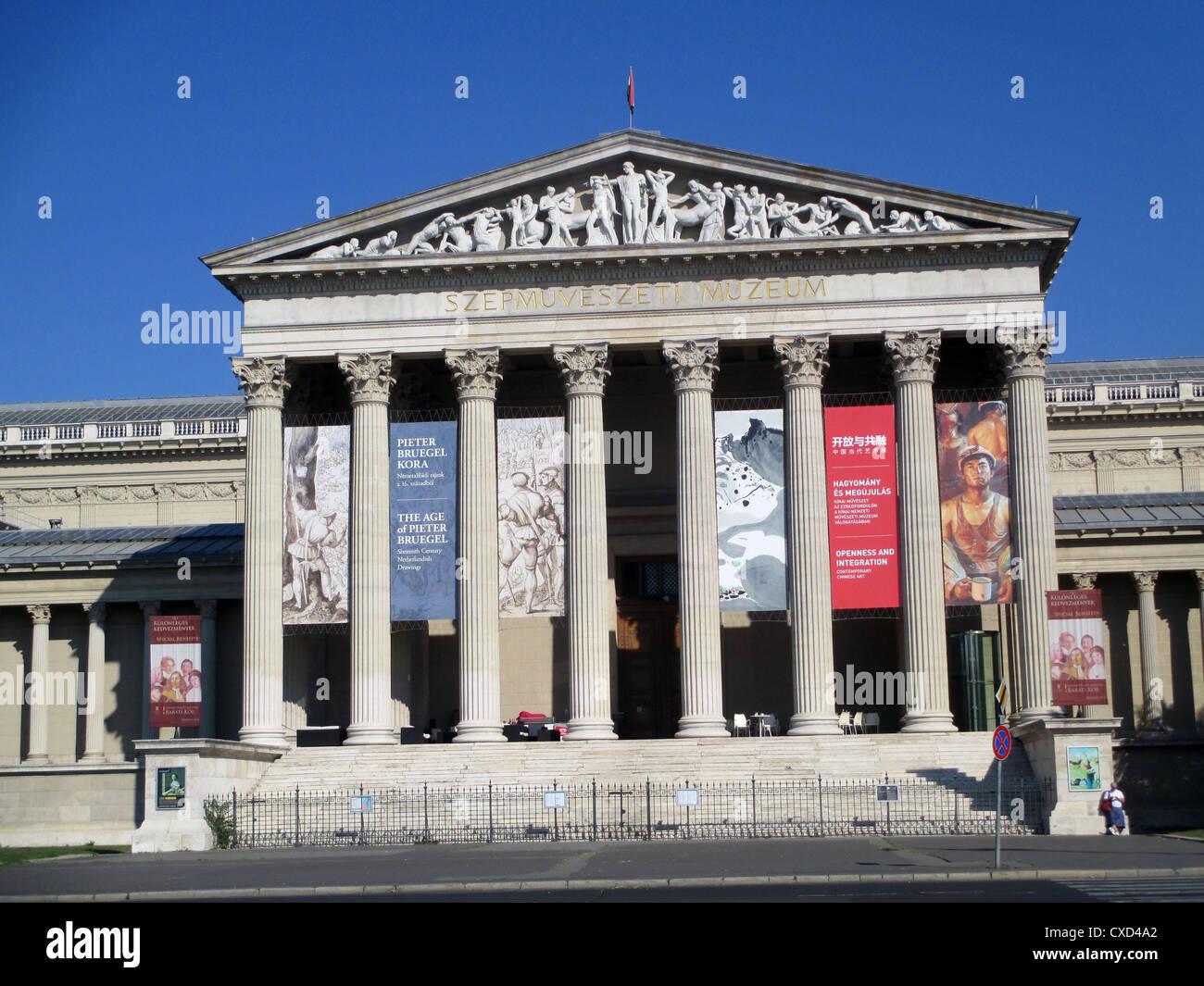 Hongrie - Budapest. Musée des beaux-arts de la Place des Héros. Photo: Tony Gale Photo Stock