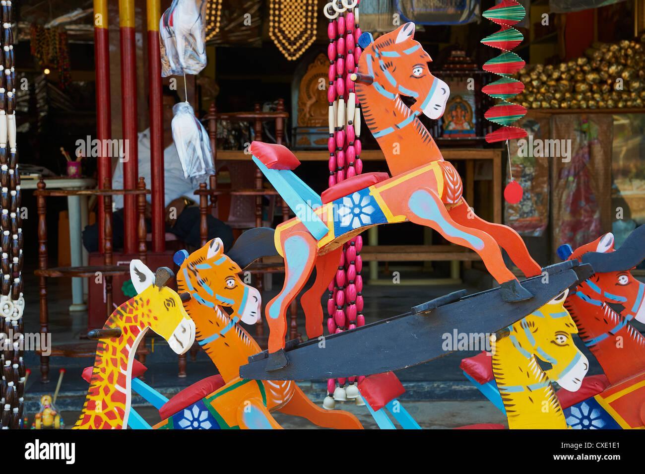 Village Channapatna, célèbre pour les jouets en bois, Mysore, Karnataka, Inde, Asie Photo Stock