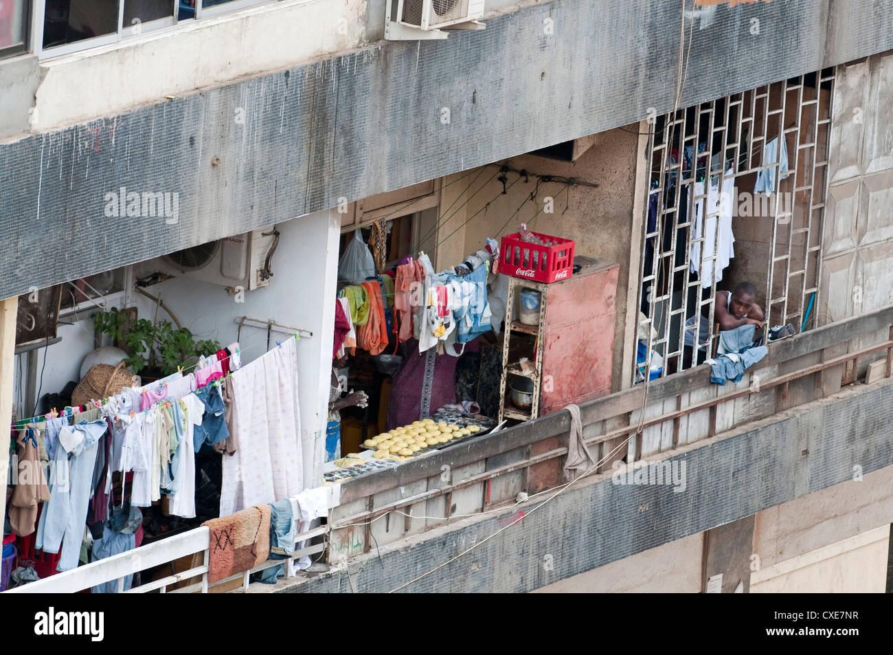 Des scènes de rue à Luanda, Angola, Afrique australe, Afrique Photo Stock