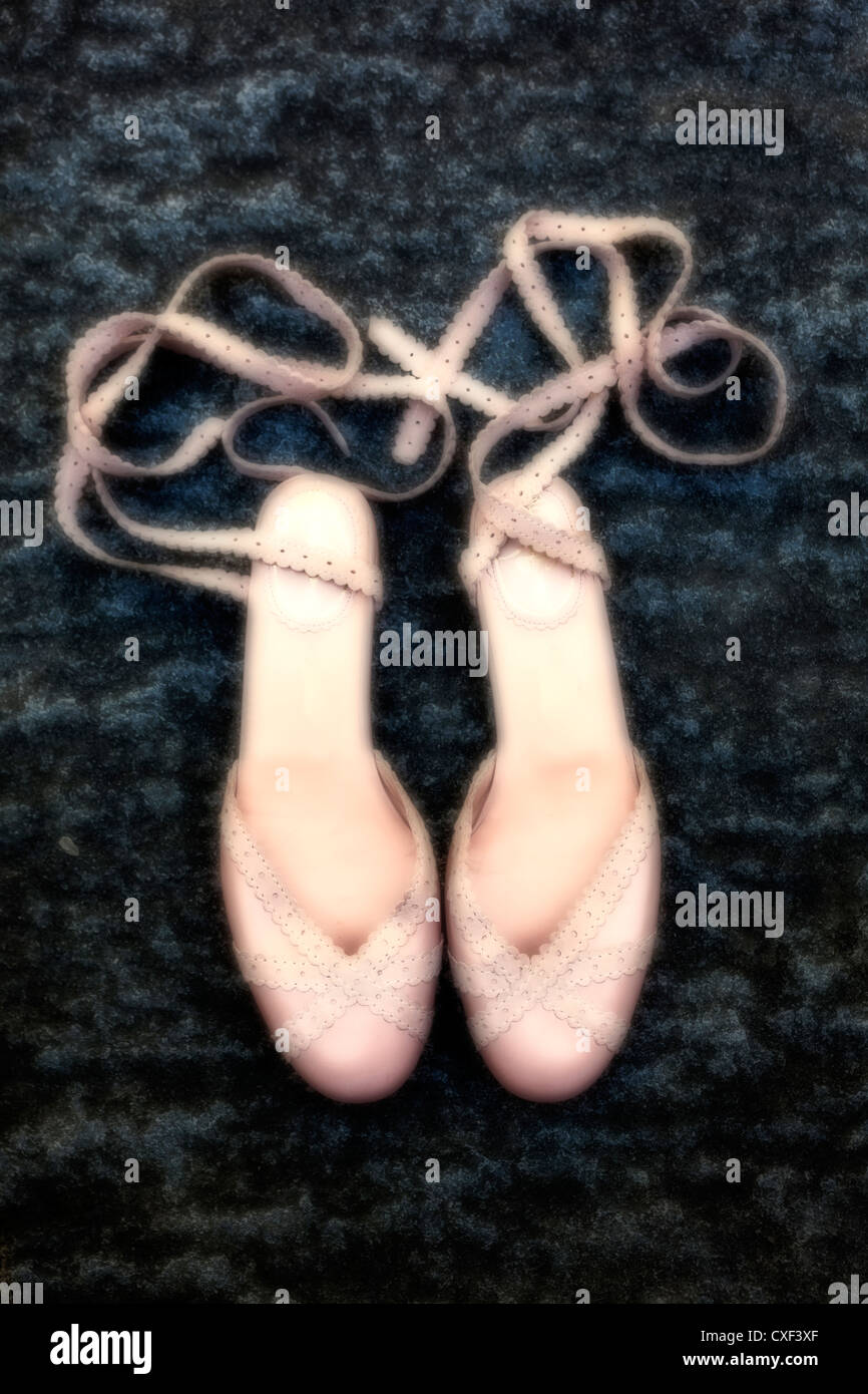 Une paire de chaussures de danse rose Photo Stock