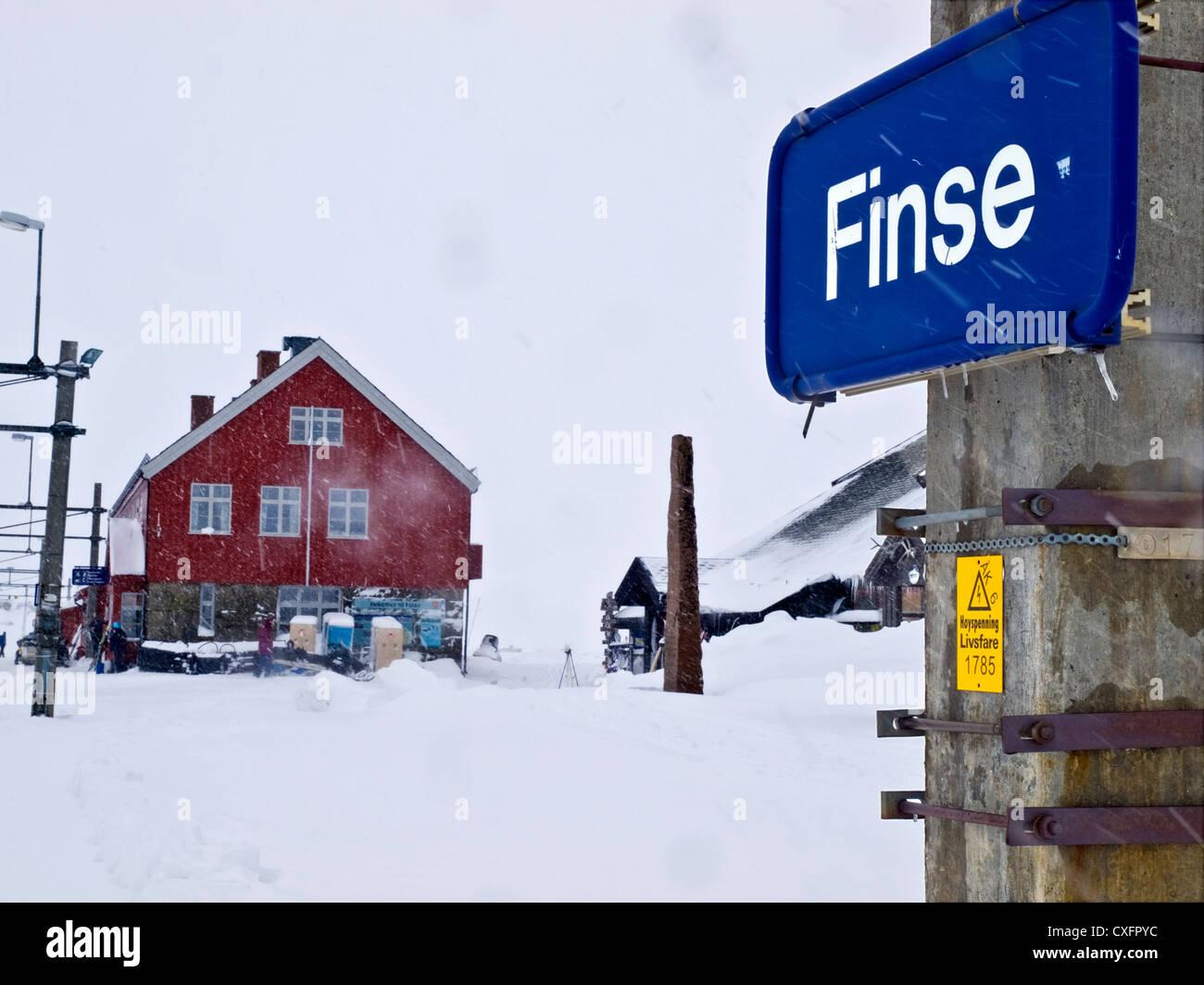 La gare à Finse sur la ligne Oslo-Bergen en Norvège Photo Stock