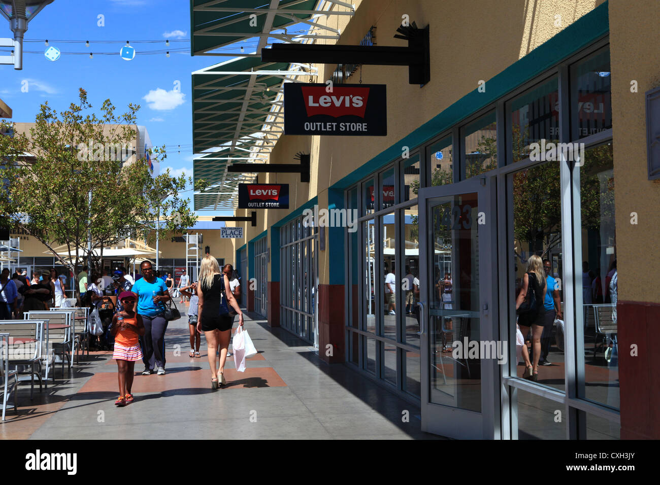 Largest outlet mall in las vegas