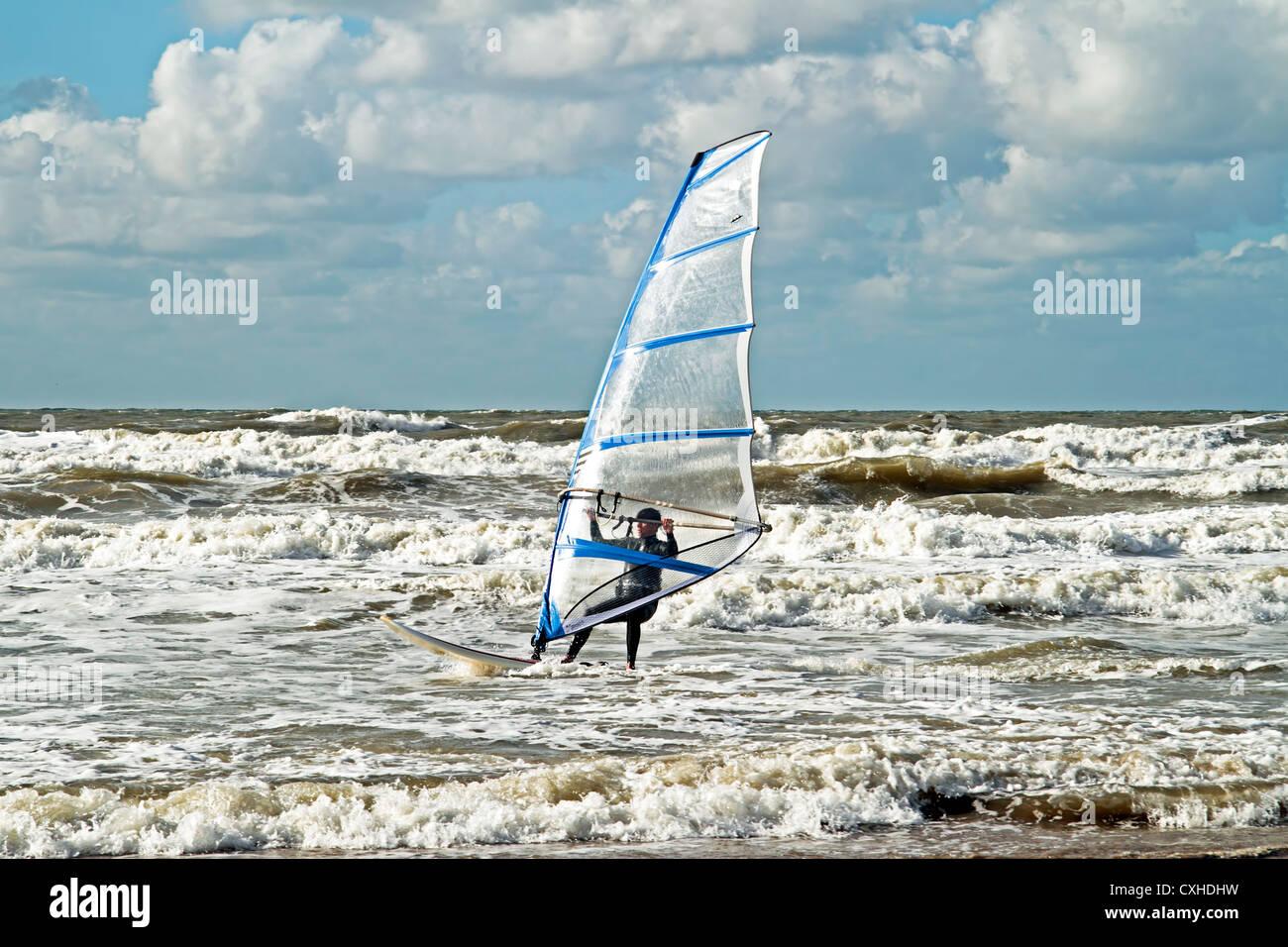 Planche à voile sur la mer du Nord aux Pays-Bas Photo Stock