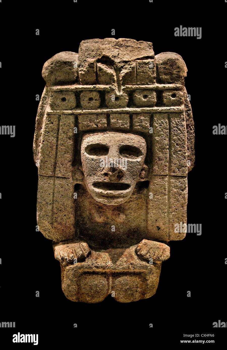 Divinité maïs Chicomecoat 15ème siècle Mexique Méso-amérique 35,56 cm x basalte Aztèque Photo Stock