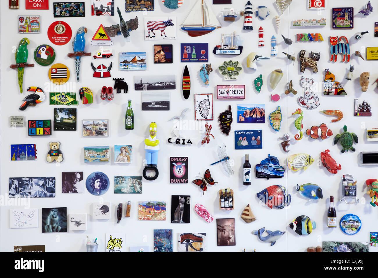 Fridge Magnet magnets collection, montrant de partout dans le monde. Version verticale aussi Photo Stock