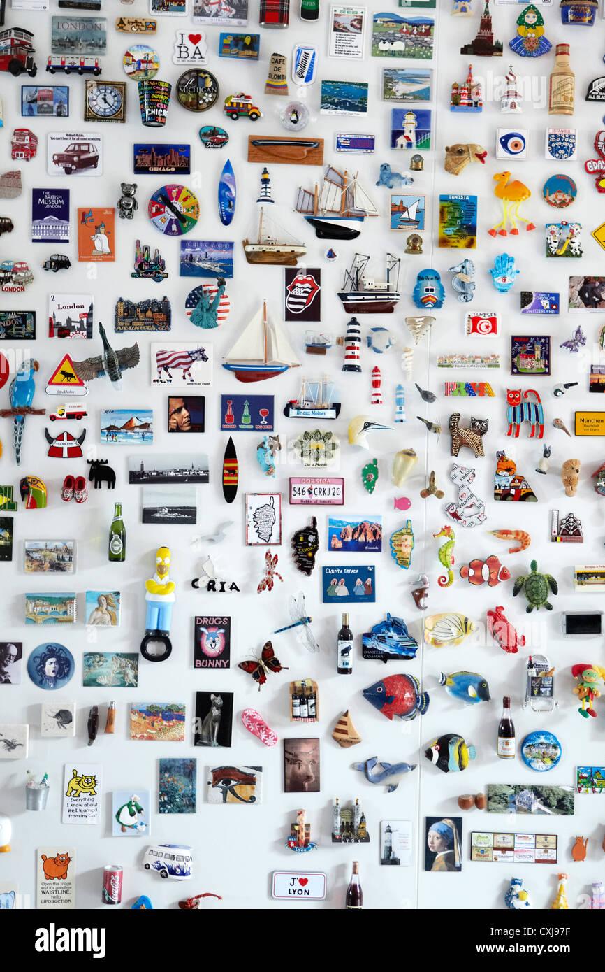 Fridge Magnet magnets collection, montrant de partout dans le monde. Aussi la version horizontale. Photo Stock