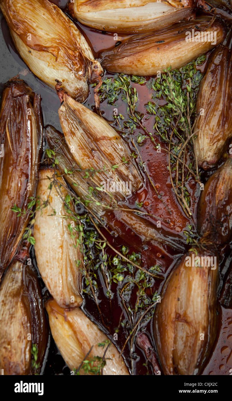 Le fenouil en bac torréfaction Photo Stock